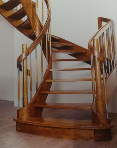 Helezon ahşap merdiven 03